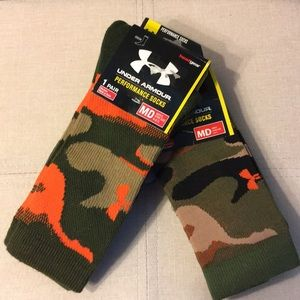 Under Armour Men's brand new socks size MD